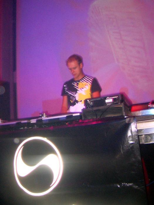 Armin Van Buuren @ Ruby Skye - 09/17/04