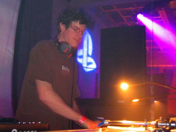 Playstation 2 Dual Play w/ Mark Farina - 04/15/04