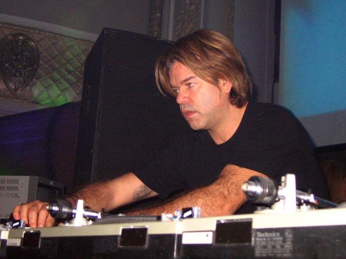 Paul Oakenfold & Sander Kleinenberg - Halloween 2004