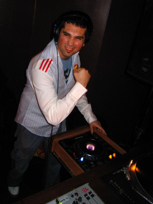 MELT w/ LAWNCHAIR GENERALS @ Levende Lounge - 02/24/06