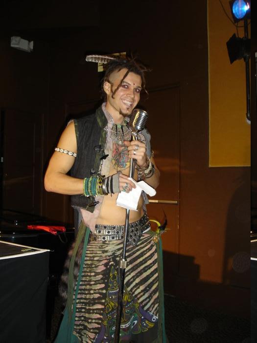 cute neo tribal MC!