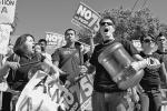 lr13oct05-protest1