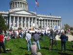 rally-crowd-w-capitol