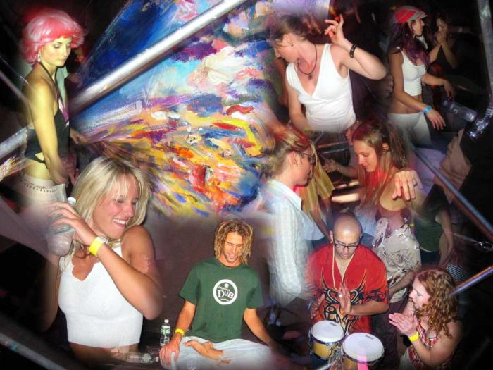 A Family Affair Gettin Down Before the Desert - 08/06/04