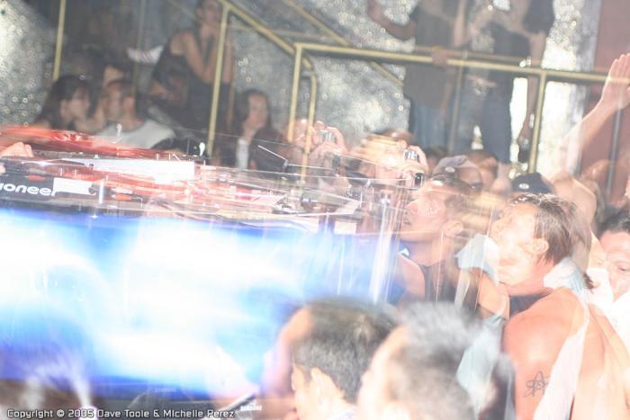 j00f markusschulz circus 0903 screen109